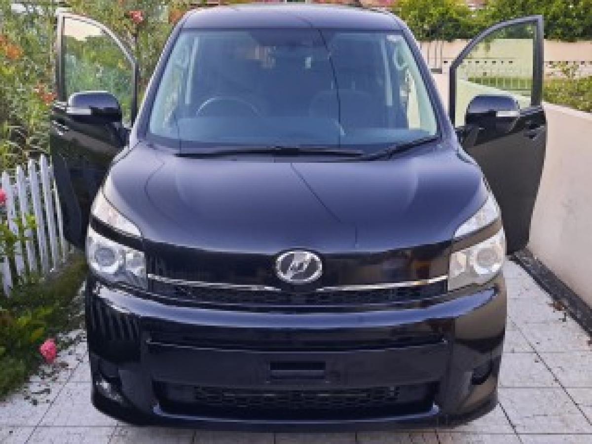 2011 toyota voxy | autobuzz jamaica - find vehicles for